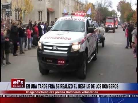 EN UNA TARDE FRIA SE REALIZO EL DESFILE DE LOS BOMBEROS