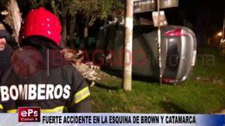 FUERTE ACCIDENTE EN LA ESQUINA DE BROWN Y CATAMARCA