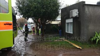 UN DESPERFECTO ELÉCTRICO CAUSÓ UN INCENDIO EN EL BARRIO NUEVO HORIZONTE