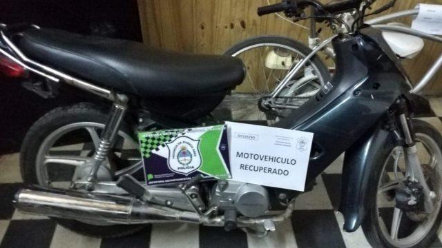 RECUPERARON DOS MOTOS ROBADAS Y APRHENDIERON A UN MENOR