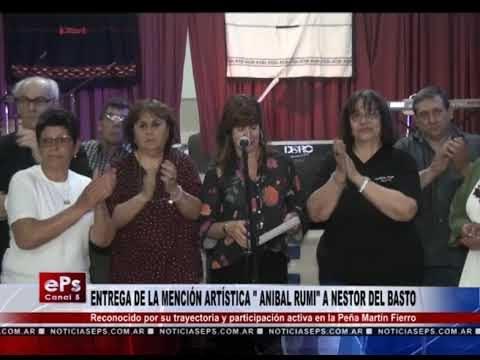 ENTREGA DE LA MENCIÓN ARTÍSTICA ANIBAL RUMI A NESTOR DEL BASTO