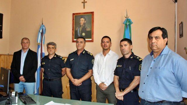 PRESENTACIÓN DEL NUEVO JEFE DE LA POLICIA COMUNAL BRAGADO Y EL NUEVO DIRECTOR DE SEGURIDAD DE LA MUNICIPALIDAD